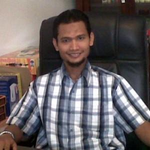 Handri Arifinal CEO 300x300 About
