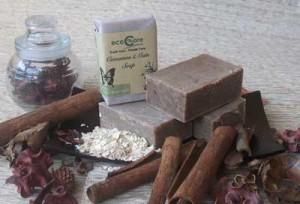 CinnamonOatsSoap 300x204 SABUN ANTI ALERGI ANTI BAKTERI ANTI JAMUR DAN PENGHILANG BAU