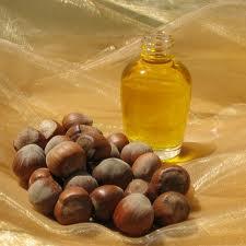 minyak kemiri1 MINYAK KEMIRI (HAZELNUT) BAIK UNTUK KESEHATAN DAN RAMBUT KAYA VITAMIN E