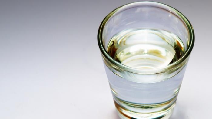 Manfaat Minum Air Putih Hangat Di Setiap Pagi